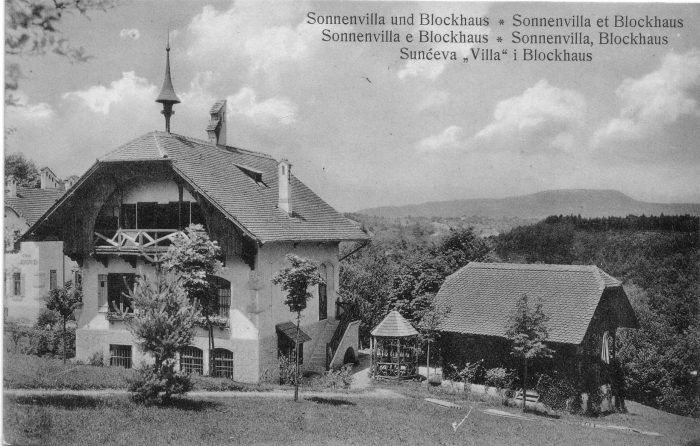 Sonnenvilla mit Blockhaus